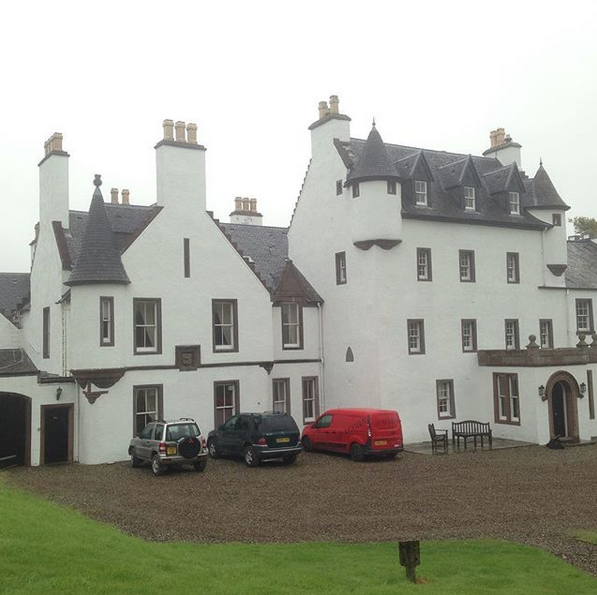 Замок Aberuchill Castle. Фото скриншот: instagram.com/iainsandra/