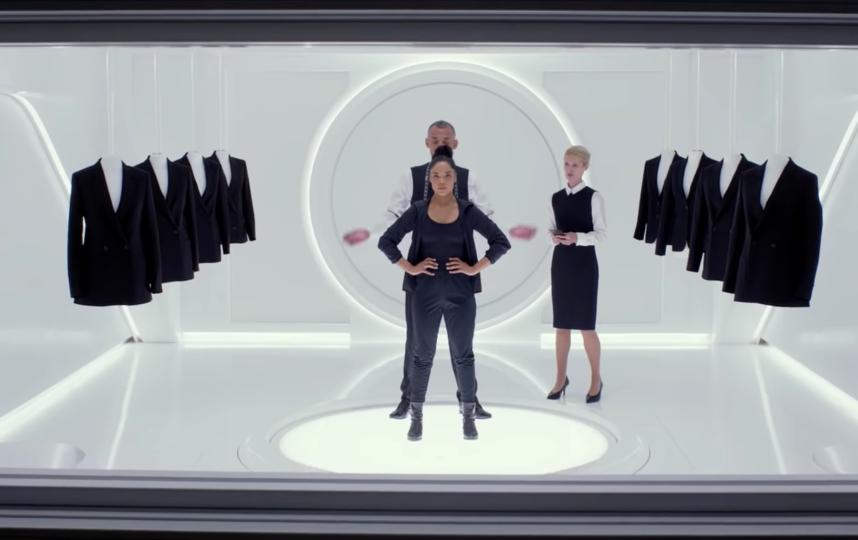 """Кадр из фильма """"Люди в чёрном: Интернэшнл"""". Фото Скриншот/SonyPicturesRU, Скриншот Youtube"""