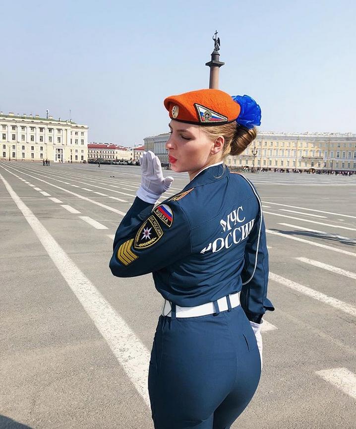 В Петербурге прошла репетиция парада Победы: Яркие фото. Фото Скриншот Instagram: @mariae_k