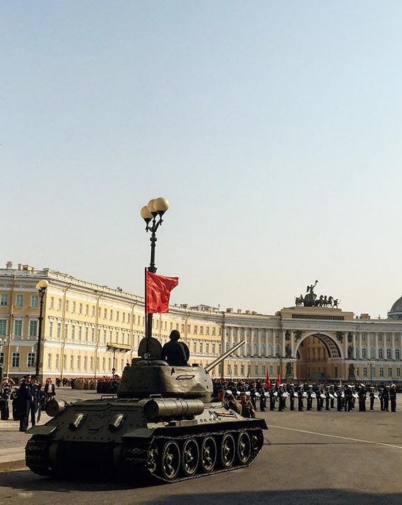 В Петербурге прошла репетиция парада Победы: Яркие фото. Фото Скриншот Instagram: @_molod_