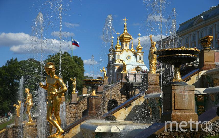 27 апреля в Петергофе запустили фонтаны. Фото Getty