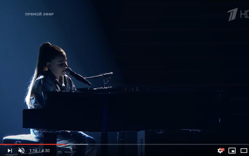 "Микелла Абрамова на шоу ""Голос.Дети"". Фото скриншот с официальной странички ""Голос.Дети"" на YouTube"