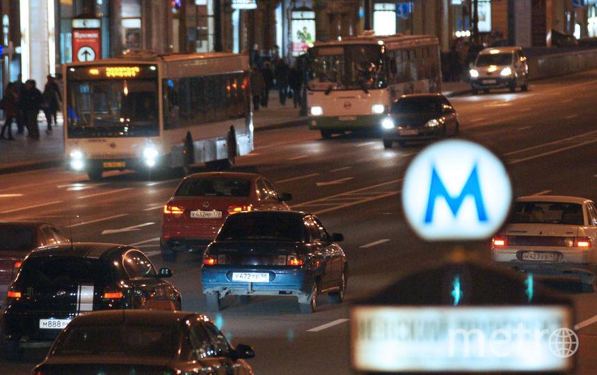 Движение транспорта по Невскому закроют с 7 до 14. Фото Интерпресс