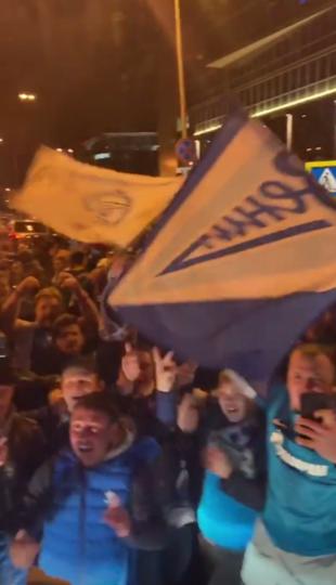 Фанаты сине-бело-голубых ярко, громко и с размахом отпраздновали победу. Фото Скриншот https://www.instagram.com/sergey_bogdanovich_semak/
