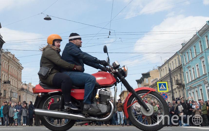 """Открытие мотосезона в Петербурге. Фото Святослав Акимов, """"Metro"""""""