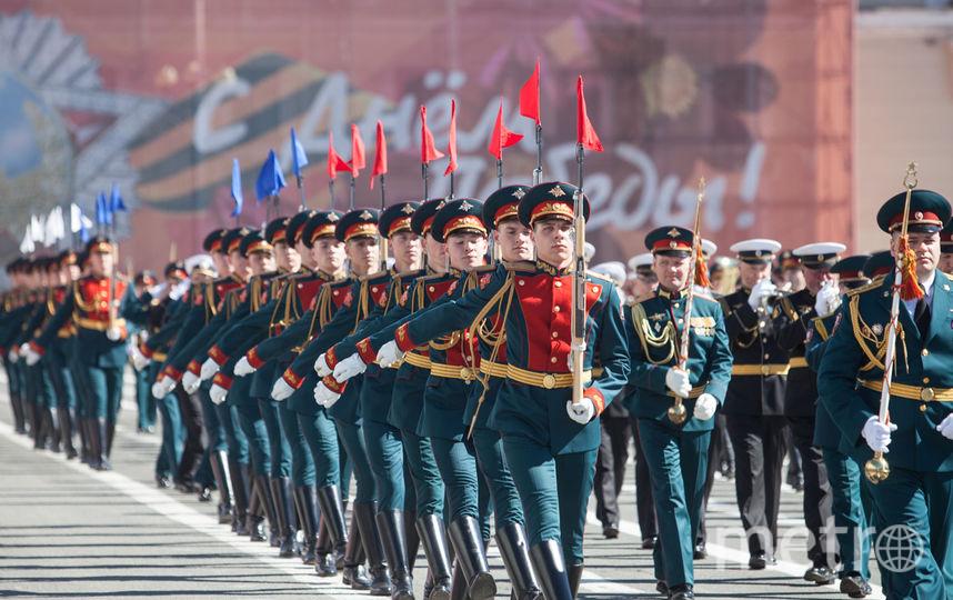 """Репетиция парада на Дворцовой. Фото """"Metro"""""""