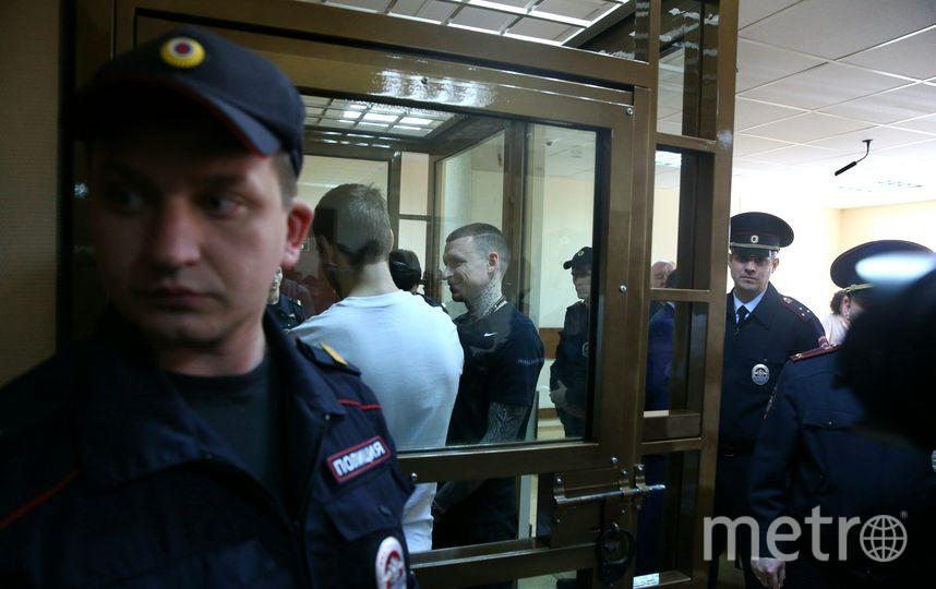 Ребята в ожидании оглашения приговора. Фото Василий Кузьмичёнок