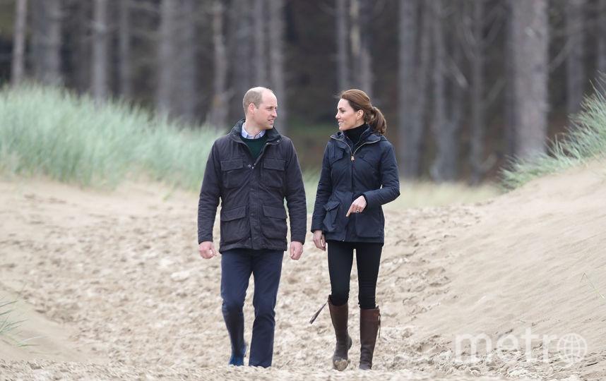 Уильям и Кэтрин на пляже Ньюборо в Уэльсе. Фото Getty