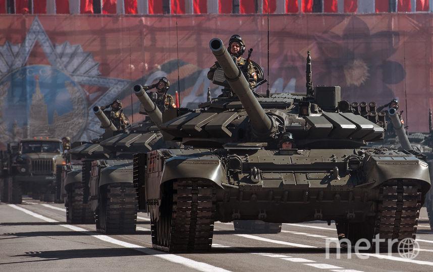 "Танки на Дворцовой. Фото ""Metro"""