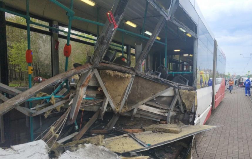 Кадры с места аварии на Бухарестской. Фото https://vk.com/spb_today