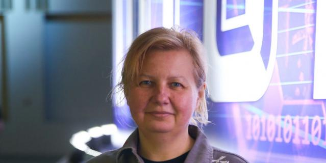 Неля Яковлева.