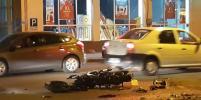 Парень с девушкой серьезно пострадали в ДТП с мотоциклом в Петербурге: фото