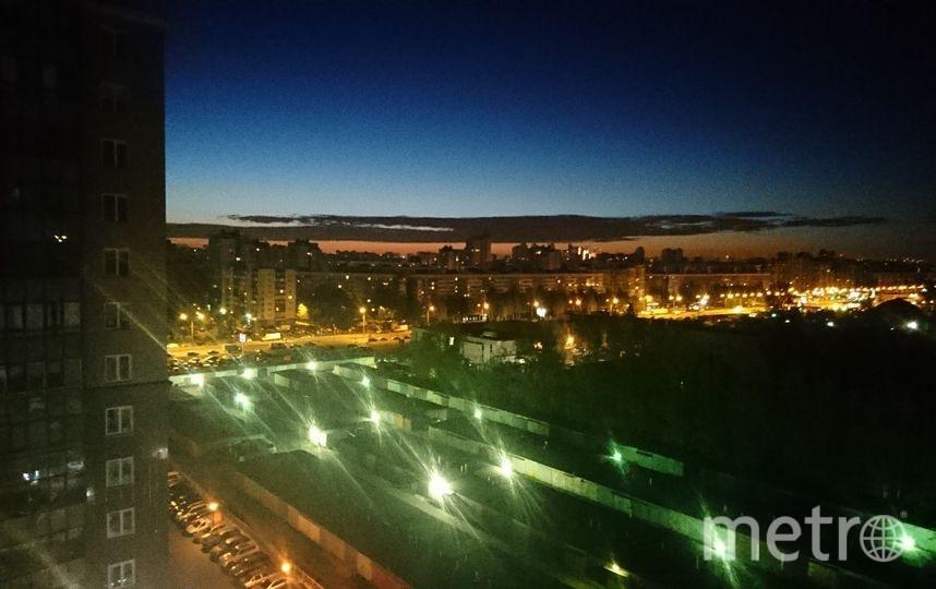 "Так выглядело облако дыма из Озерков. Фото https://vk.com/spb_today, ""Metro"""