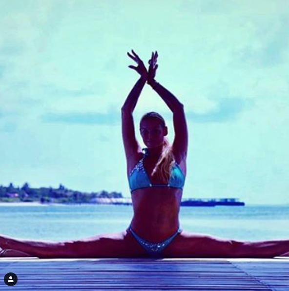 Волочкова назвала длину своего шпагата. Фото скриншот https://www.instagram.com/volochkova_art/?hl=ru
