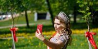 Участницы конкурсов красоты сажали деревья в Петербурге