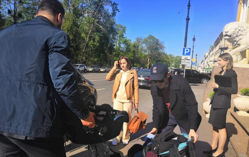 """Иван Реон побывал в Петербурге вместе с семьей. Фото """"Metro"""""""