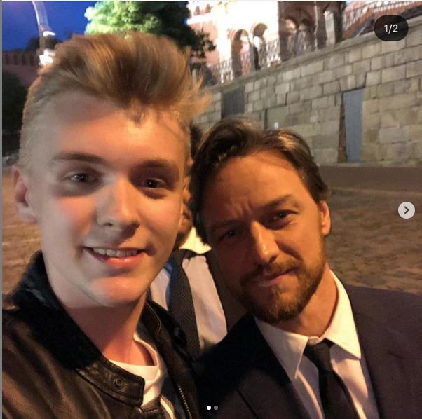 Джеймс Макэвой с фанатами в Москве. Фото скиншот instagram.com/jamesmcavoymexico/
