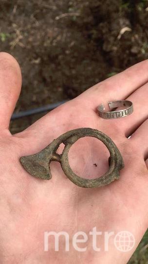 Археологи находят личные вещи солдат. Фото предоставлено Пьером Малиновским