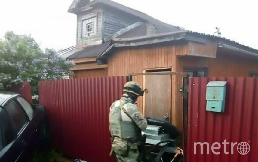 """На месте перестрелки обнаружили оружие и боеприпасы. Фото Mash, """"Metro"""""""