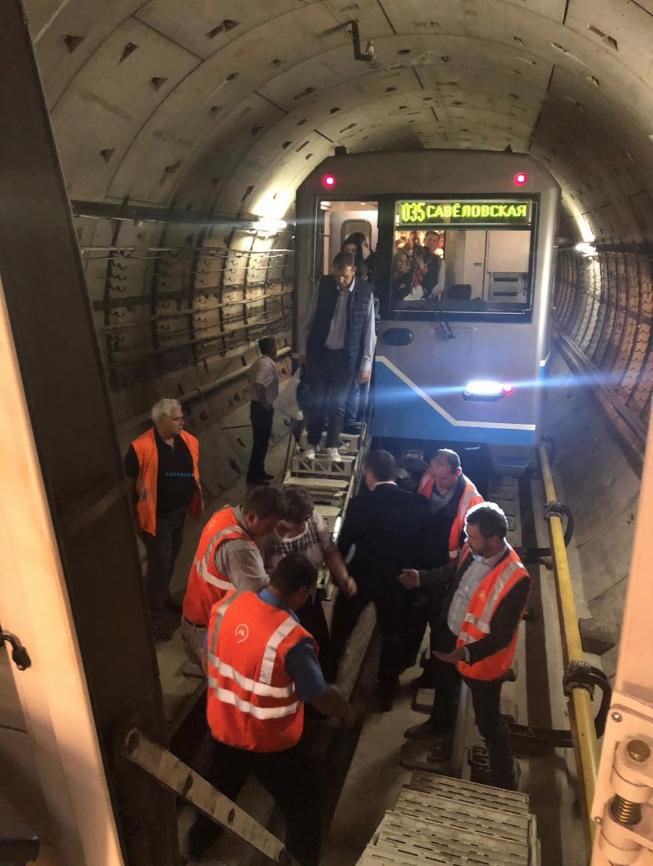 В московском метрополитене назвали основные версии ЧП на Солнцевской линии. Фото Скриншот twitter.com/MetroOperativno