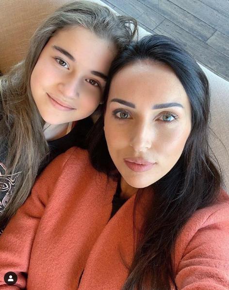 Алсу с дочерью Микеллой. Фото скриншот https://www.instagram.com/alsou_a/?hl=ru