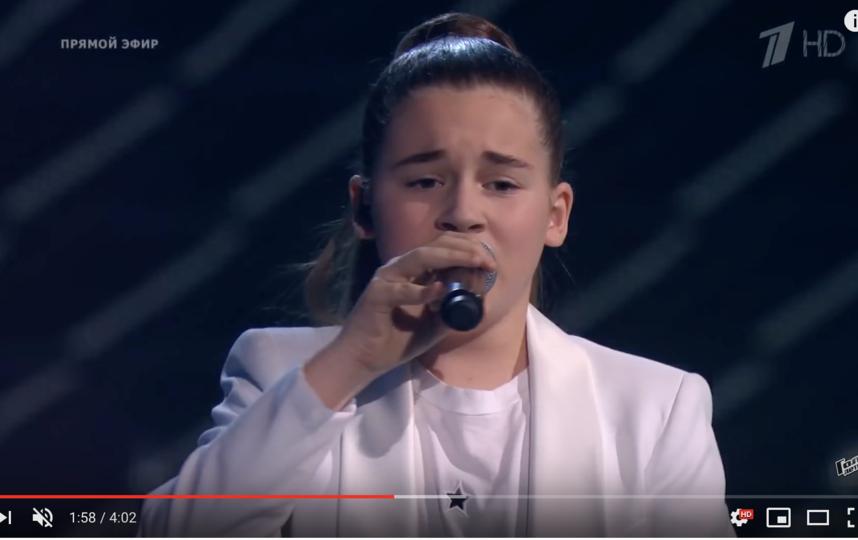 Дочка Алсу Микелла Абрамова не приехала на спецвыпуск, но тоже была признана победительницей. Фото скриншот с официального блога Первого канала на YouTube