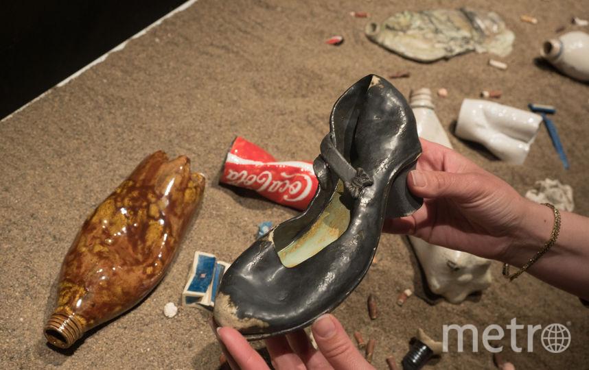 """Петербурженка лепит мусор из керамики. Фото Святослав Акимов, """"Metro"""""""