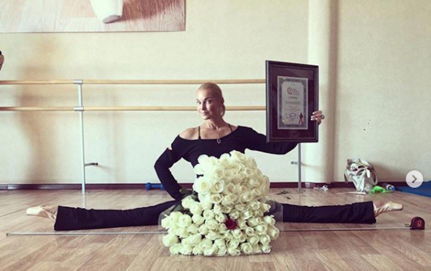 Волочкова и её шпагат. Фото Скриншот Instagram/volochkova_art