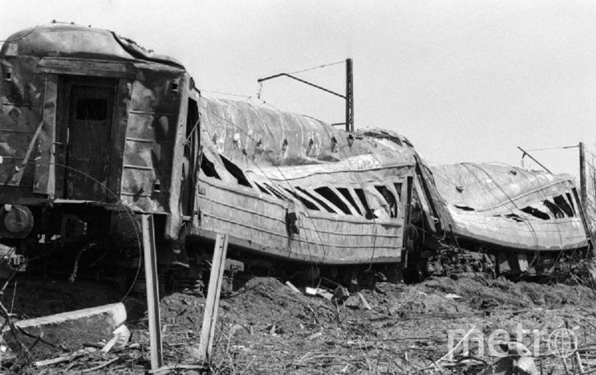 Вагоны, выгоревшие дотла во время катастрофы. Фото РИА Новости