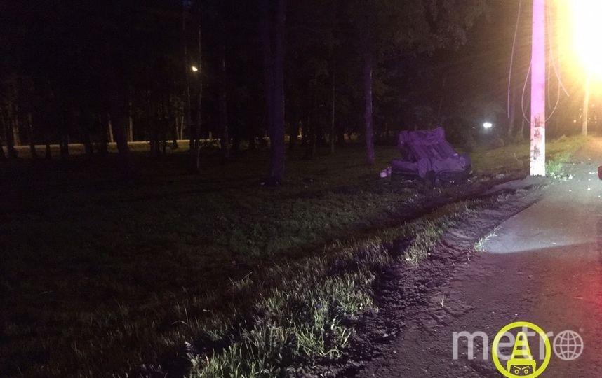 """Фото с места ДТП в Ольгино. Фото https://vk.com/dorinspb, """"Metro"""""""