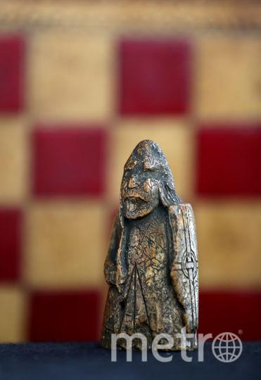Стоимость шахматной фигуры оценивается в 1 млн фунтов стерлингов. Фото Getty