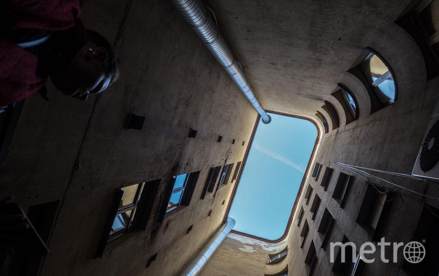 """Толстовский дом и «нехорошая квартира». Фото Святослав Акимов, """"Metro"""""""