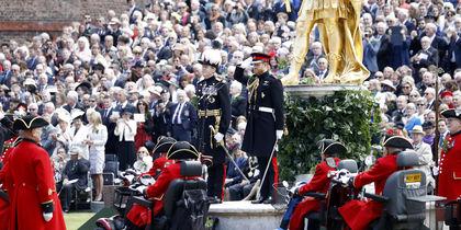 Принц Гарри принял участие в параде ветеранов Челси: фото