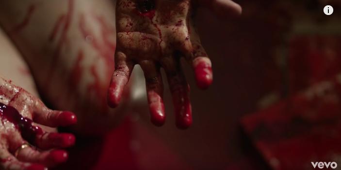 Кадр из клипа Дэвида Боуи. Фото скриншот: youtube.com/watch?v=7wL9NUZRZ4I