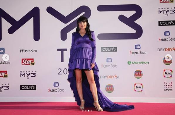 Нелли Ермолаева. Фото скриншот https://www.instagram.com/muztv/?hl=ru