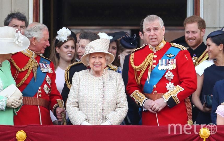 Принц Чарльз, принцесса Беатрис, Елизавета II, принц Эндрю. Фото Getty