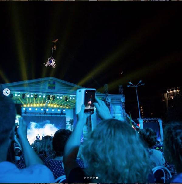 """Фрагмент выступления Волочковой в Анапе. Фото https://www.instagram.com/volochkova_art/, """"Metro"""""""