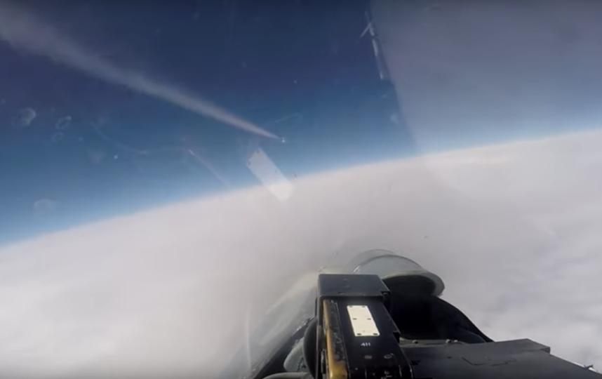 Российский Су-27 сопровождает самолёты-разведчики НАТО. Фото Скриншот/ Минобороны России, Скриншот Youtube