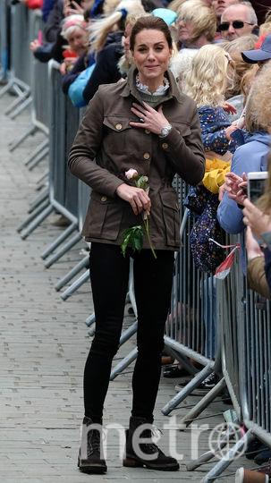 Кейт Миддлтон приветствуют на улицах Кесвика. Фото Getty
