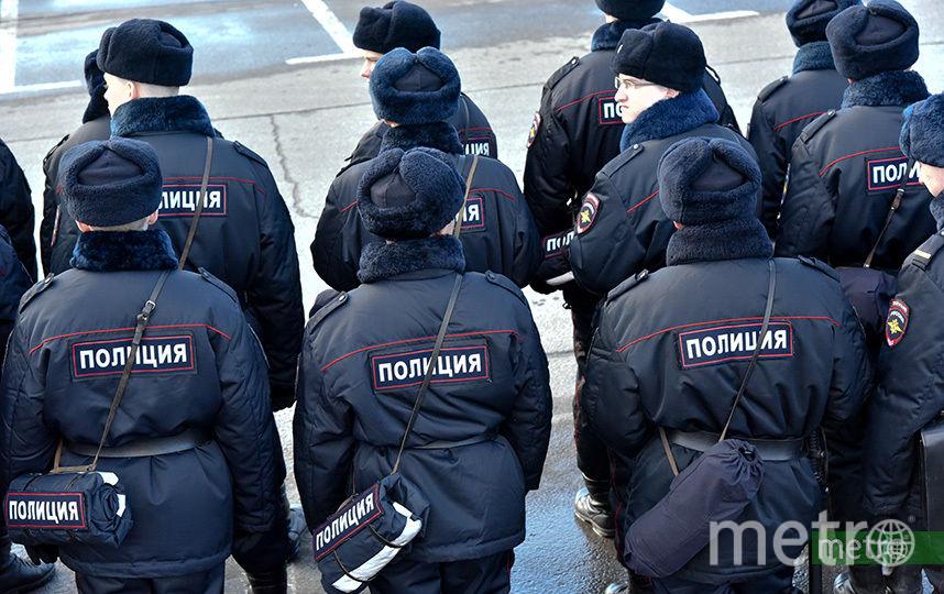 Сотрудники полиции задержали на несанкционированной акции в Москве более 200 человек. Фото Василий Кузьмичёнок