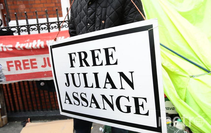 Постер в поддержку Джулиана Ассанж. Фото Getty