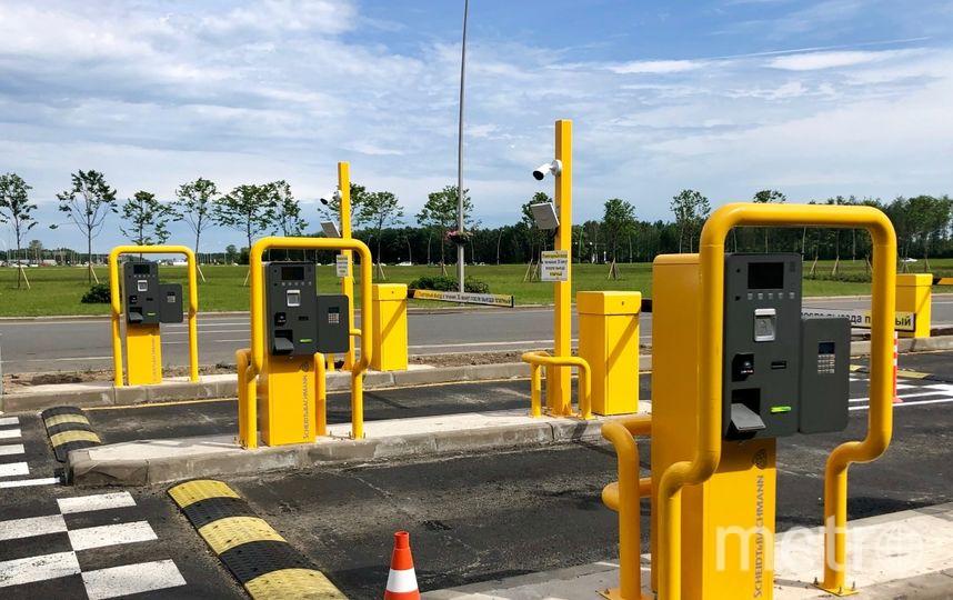 Три новых шлагбаума оборудованы системой бесконтактной оплаты проезда. Фото пресс-службы Пулково