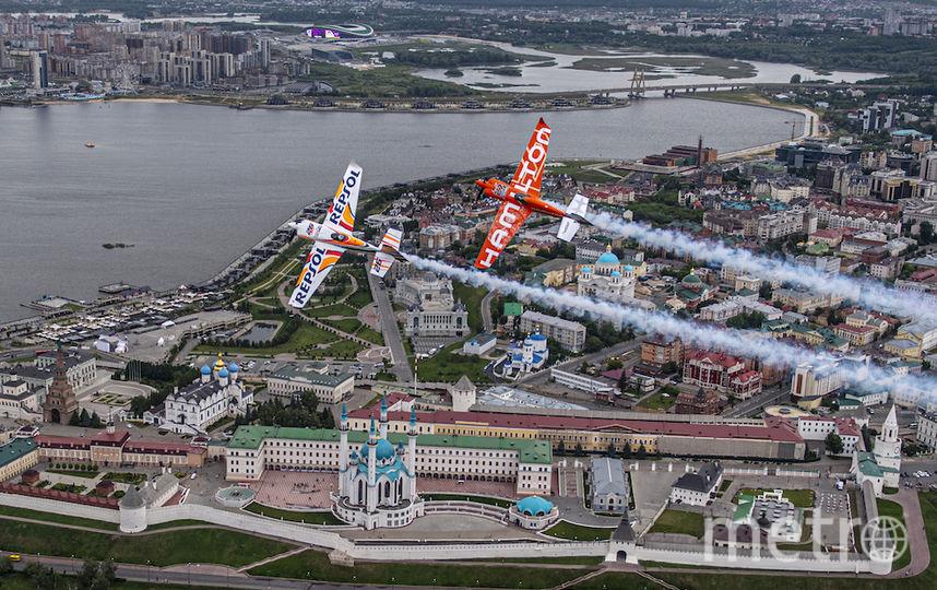 Этап в Казани проходит над рекой Казанкой на фоне Кремля. Фото redbullcontentpool.com