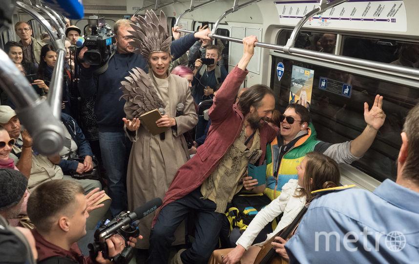 """Театр в метро. Фото Святослав Акимов, """"Metro"""""""