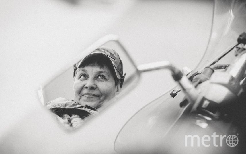 В отражении – счастливая Севастьяна, ведь она – на любимом байке. Фото Ольга Русинова