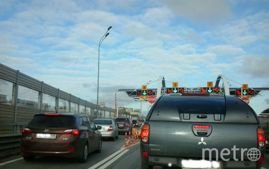 "Ремонт ждет автомобилистов на ЗСД. Фото ""Metro"""