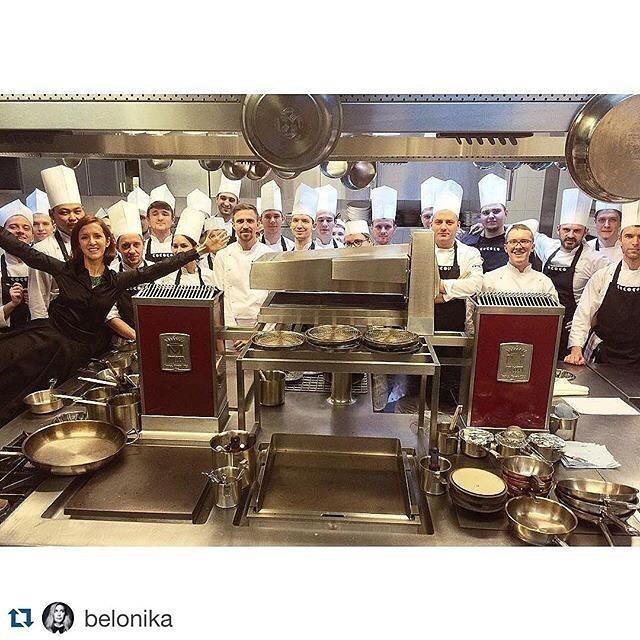 "Команда ресторана ""Кококо"". Фото instagram.com/kokoko_spb/"