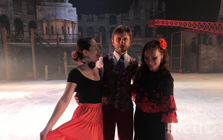 """Флешмоб удался. Дамы в образе испанки Кармен впечатлили Алексея Ягудина. Фото предоставлены организаторами, """"Metro"""""""