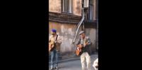 Ургант в Петербурге спел с Розенбаумом: видео