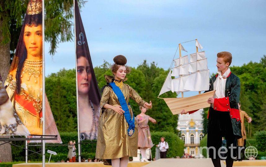 """В прошлом году дизайнеры представляли свои коллекции на тему  «Власть красоты. Императорская мода». Фото Алена Бобрович, """"Metro"""""""